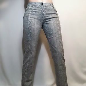 Reitman's reptile print skinny jeans